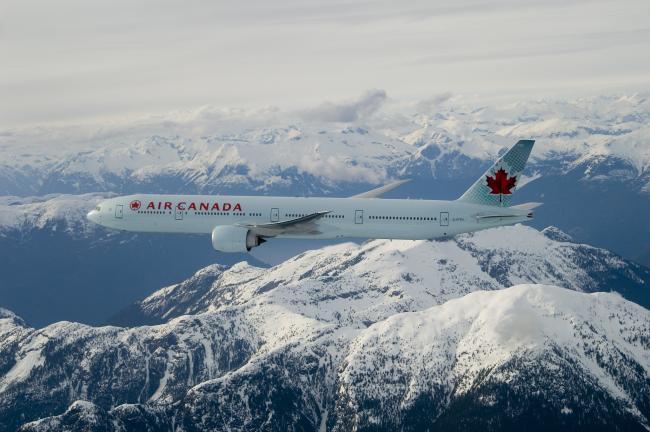 Air Canada Plane - Photo via Roderick Eime.