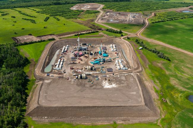 With the approval of LNG Canada, there is expected to be an explosion of hydraulic fracturing operations in northeastern B.C., like this one near Farmington, B.C. Photo: Garth Lenz / The Narwhal