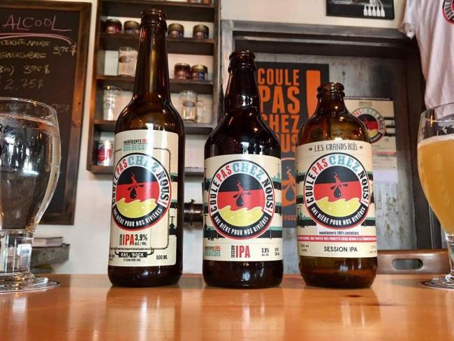 Quebec microbreweries have teamed up for a new Quebec-made beer that aims to raise awareness about TransCanada's Energy East project. Photo by Coule pas chez nous!