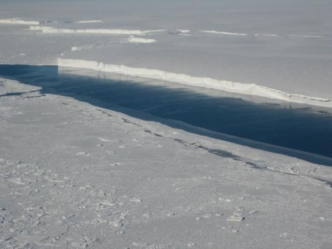 Ice shelf - NASA/JPL-Caltech/UC Irvine