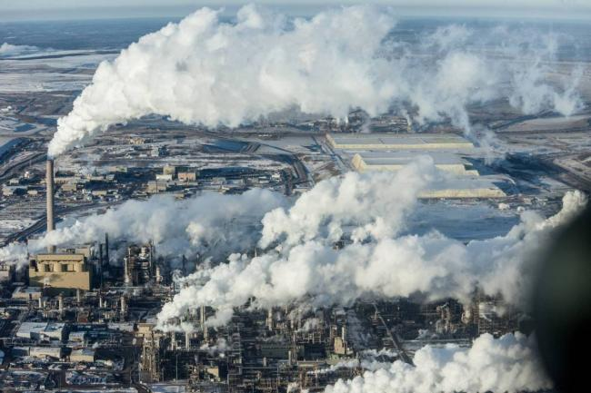 Alberta oilsands. Photograph by Kris Krug. https://kriskrug.co/