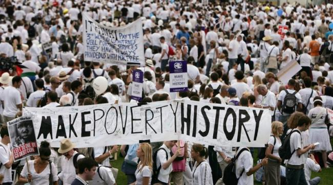 A MakePovertyHistory march attended by an estimated 200,000 people before a G8 Summit in Edinburgh, Scotland, July 2, 2005. Photo by Bruno Vincent.