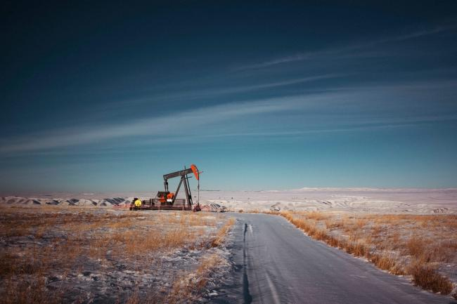 Oil and gas infrastructure on a roadside near Calgary, Alta., on December 30, 2020. A new report from Environmental Defence found support for the oil and gas sector grew to $18 billion in 2020. Photo: Todd Korol