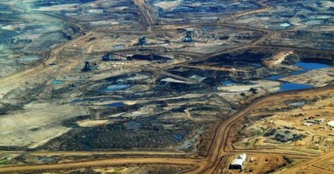 Alberta's oil sands. Credit: Dru Oja Jay (CC BY 2.0)