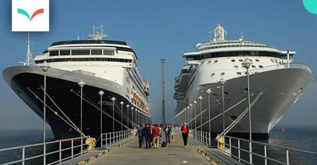 Docked cruise ships - photo sgbirch/flickr