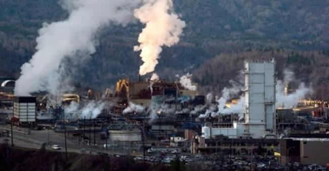 Teck Resources' zinc and lead smelting and refining complex is pictured in Trail, B.C.(Darryl Dyck/The Canadian Press)