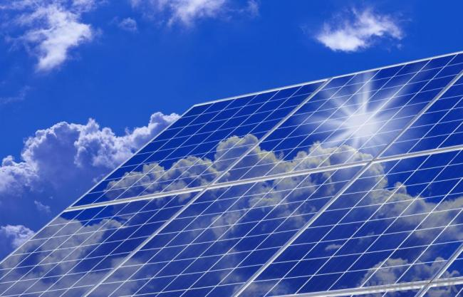 The solar industry says Alberta can generate $5 billion in investments and 70,000 jobs. Image from Go Solar.
