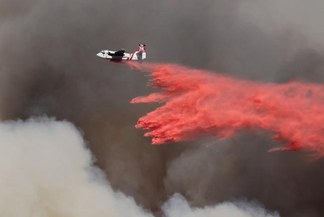 Air bomber attempts to quell a wildfire in Thousand Oak, United States. Photo by Ben Kuo on Unsplash