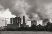 Main image: Coal power plant Credit: x1klima (CC BY-ND 2.0)