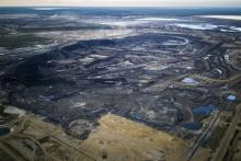 An oil sands strip mine near Fort McMurray, Alta. in 2015.  IAN WILLMS/THE NEW YORK TIMES NEWS SERVICE