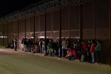 US Mexico border crossing apprehension