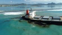Mauritius Oil Spill - ship spilling oil