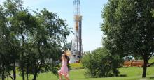 Industry and its allies say fracked gas is a climate solution. It's not. (Photo: Moms Clean Air Force via Flickr)
