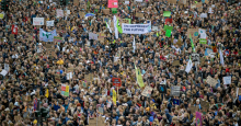Thousands of demonstrators gather at the Jungfernstieg in Hamburg during one of many Global Climate Strikes in September. (Photo: Axel Heimken/Picture Alliance via Getty Images)