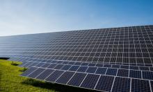 photovoltaic farm - blickpixel/pixabay