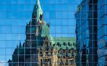 Reflecting Parliament - photo: Onfokus