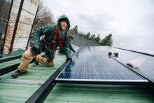 A report from the International Institute for Sustainable Development says federal funding should support skills training for green industries. Photo: Stephen Yang, The Solutions Project / Flickr