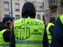 As Macron Prepares New Repressive Measures Yellow Vests and Red Unions Strike Together